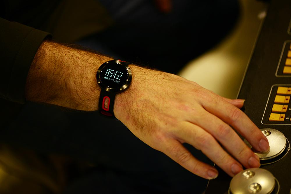 dm58-t1-smartwatch